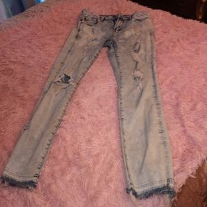 32x32 Men's American Eagle Distressed Jeans